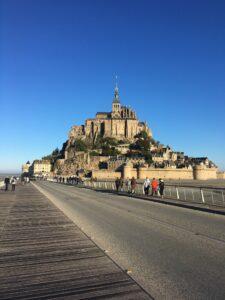 Les Cinquièmes visitent le Scriptorial d'Avranches et le Mont Saint Michel